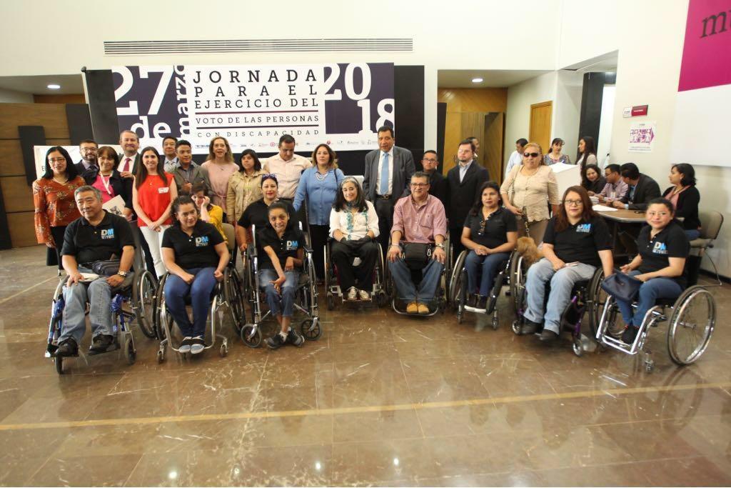 Imagen de los participantes en el evento